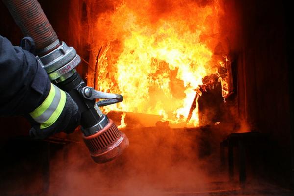 У Тернополі евакуйовували людей через пожежу у багатоповерхівці