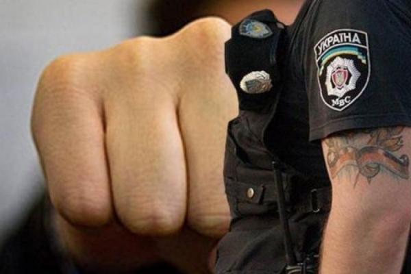 На Тернопільщині засудили юнака який побив поліцейського