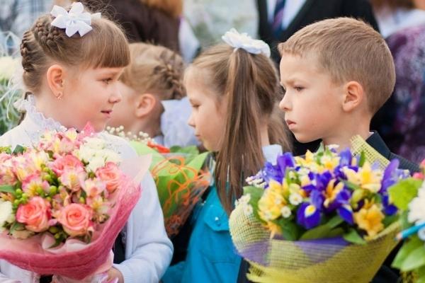 Благодійники закликають тернопільських школярів та їх батьків не купувати квіти на 1 вересня