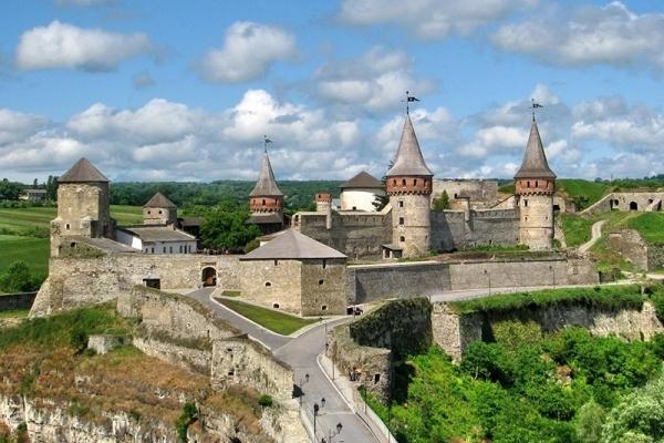 5 неймовірних місць на Тернопільщині, які визнали дивами України