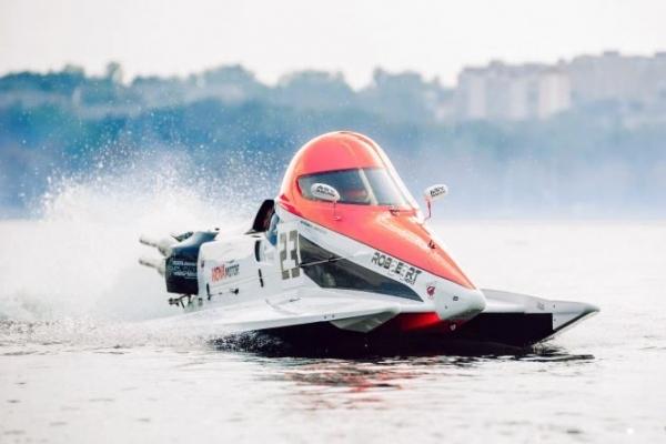 Чотирнадцять країн – один переможець: у Тернополі розпочинається «битва» з водномоторного спорту