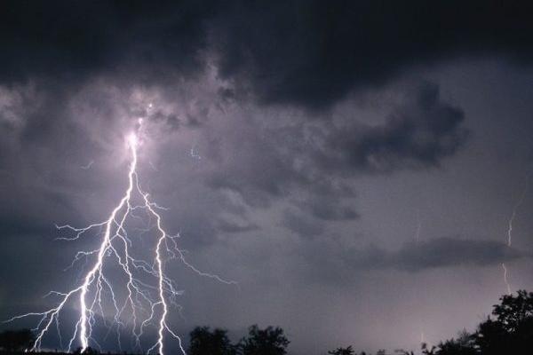 В польських Татрах в групу туристів вдарила блискавка, є загиблі