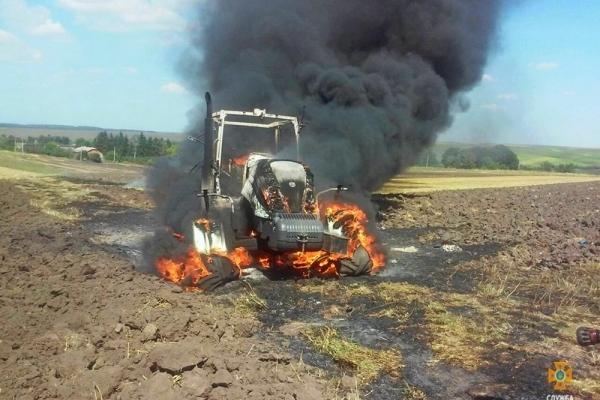 У Козівському районі згорів дорогий трактор