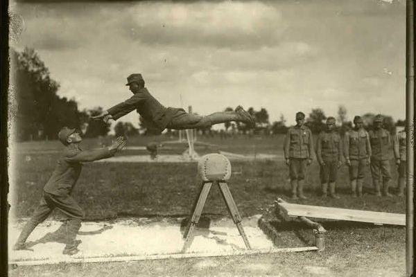 Спортивні тренування на Тернопільщині 100 років тому