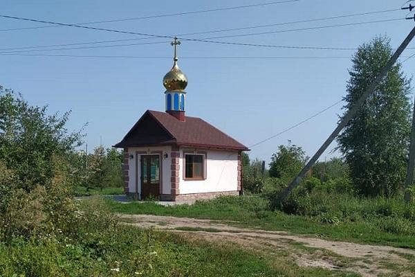 Жителі Кременеччини, які взяли кредит на побудову каплички, просять фінансової допомоги, бо не мають за що  сплатити банківську позику