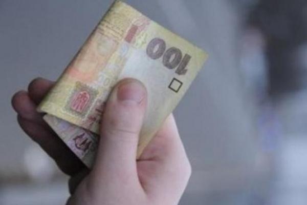 Підліток з Тернопільщини розважився на крадені бабусині гроші