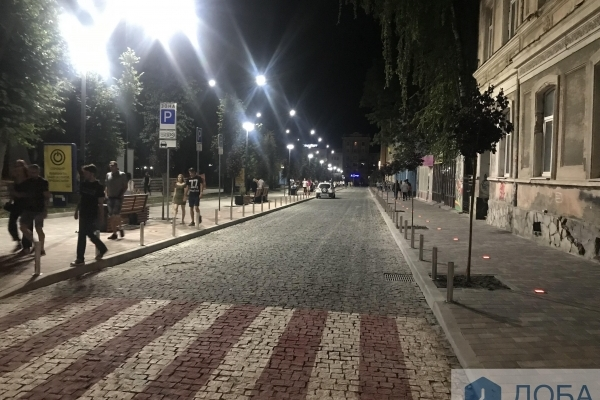 Як вночі виглядає оновлена вулиця Чорновола (Фото)