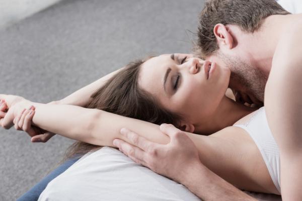 Брехня на благо: про що ми брешемо нашим сексуальним партнерам
