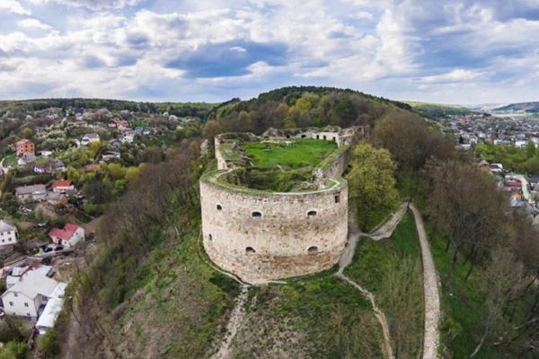 Як пиво та «бойові корови» врятували Теребовлянський замок