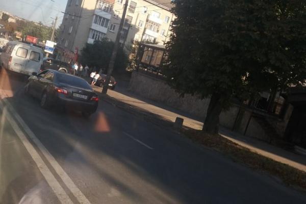 Біля «Маяка»у Тернополі легковик врізався в позашляховик
