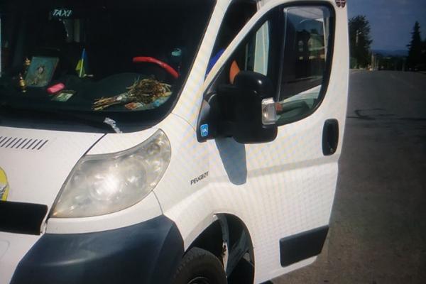У Почаєві прочани постраждали від хамства і брехні таксиста (Фото)