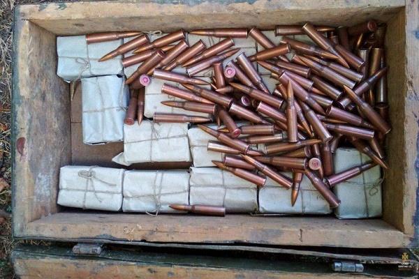 У церкві на Тернопільщині знайшли схрон з боєприпасами (Фото)
