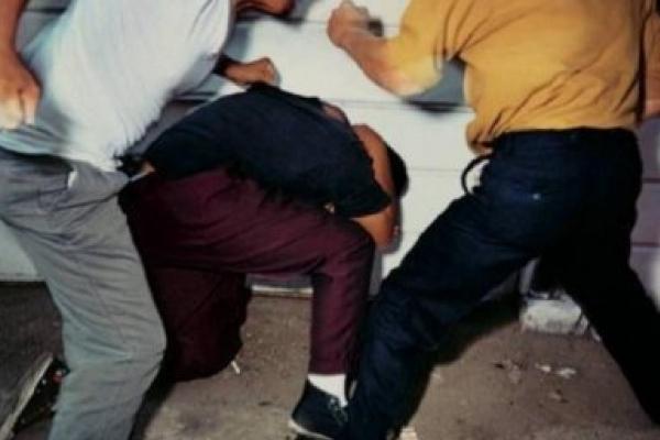 На Прикарпатті «кашкетники» побили трьох чоловіків за зауваження
