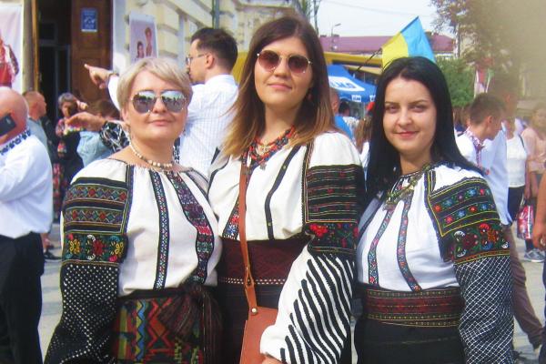 Теребовлянські волонтери побували на святі вишиванок у друзів в Борщові (Фото, відео)