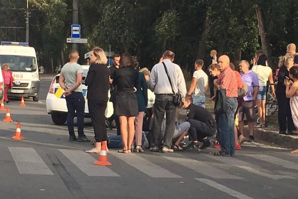 «Війна на дорогах»: у Тернополі водій збив пішохода