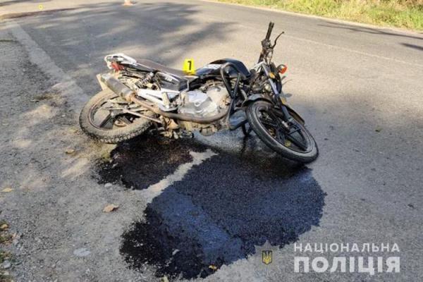 На Тернопільщині чоловік злетів з мотоцикла