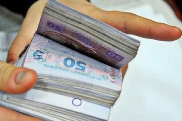 На Тернопільщині голова ОТГ виписав собі 77 тис грн премії
