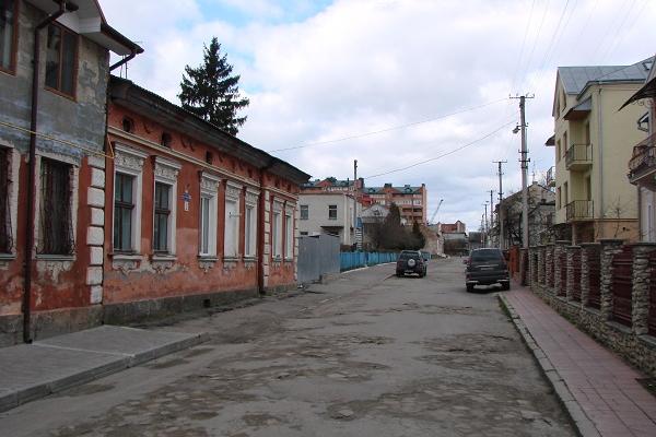 Тернополяни вимагають відремонтувати дороги на одній з вулиць