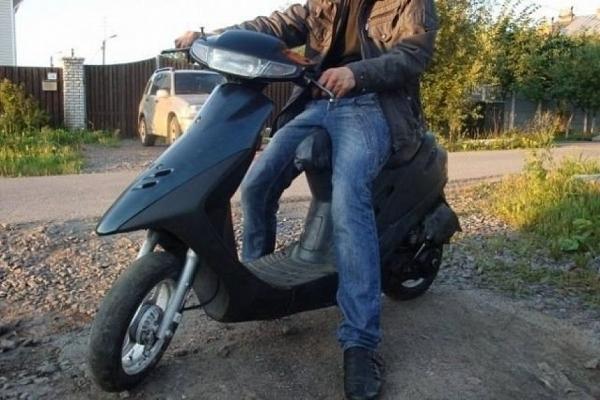 17-річний житель Лановецького району вкрав чужий скутер