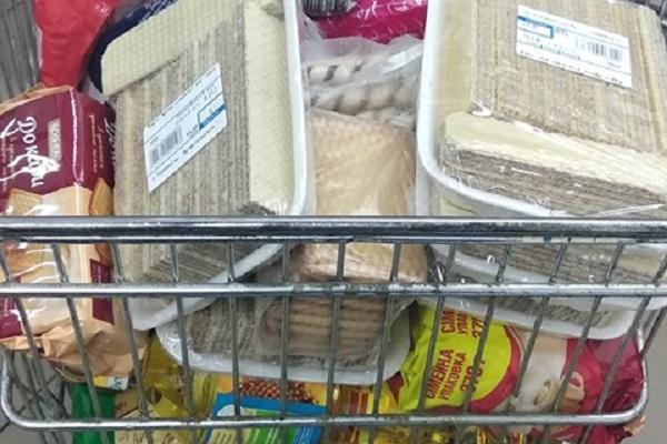 Тернополяни наповнили перші контейнери від проекту «PRO_Милосердя» для збору продуктів потребуючим людям