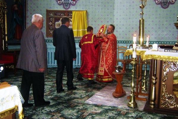 В Теребовлянській ПЦУ Св. Володимира проведена святкова літургія в честь Воздвиження Чесного і Животворчого Хреста Господнього