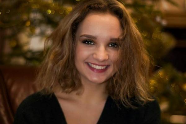 Допоможіть 18-річній дівчині з Тернопільщини, у якої виявили дуже рідкісну хворобу