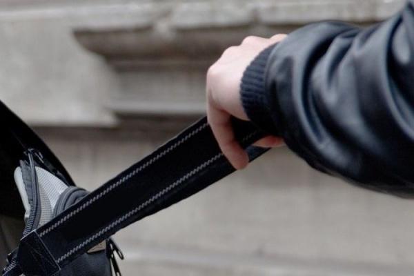 У Тернополі пенсіонер вкрав сумку у дитини
