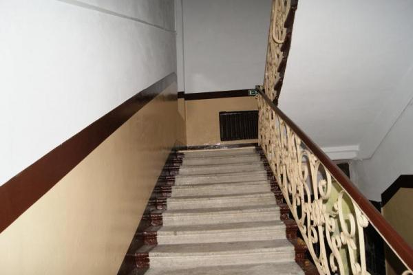 У Кременці пенсіонер вбився, впавши зі сходів
