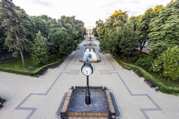 Відновленому тристоронньому годиннику в центрі Тернополя – 5 років