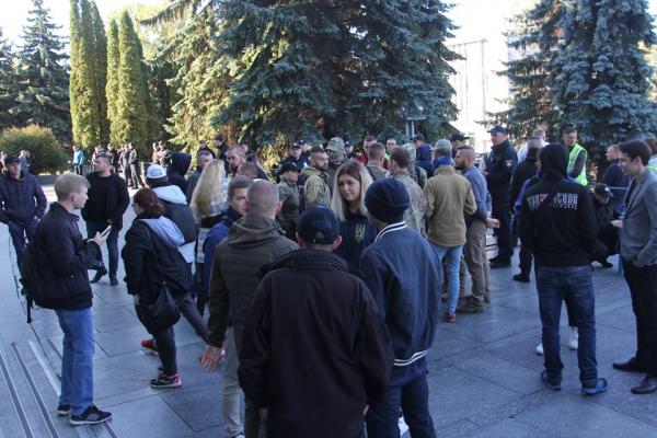 Біля ОДА  протест: тернополяни проти  «Формули Штайнмайєра»