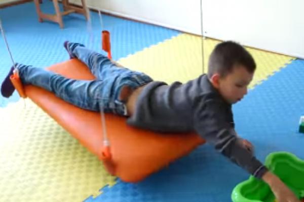 Батьківська любов лікує: історія 8- річного Максима, якому вдалося здолати аутизм