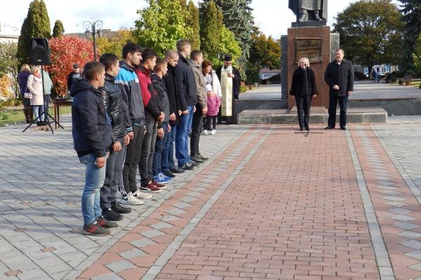 На Тернопільщині відправили на службу перших призовників