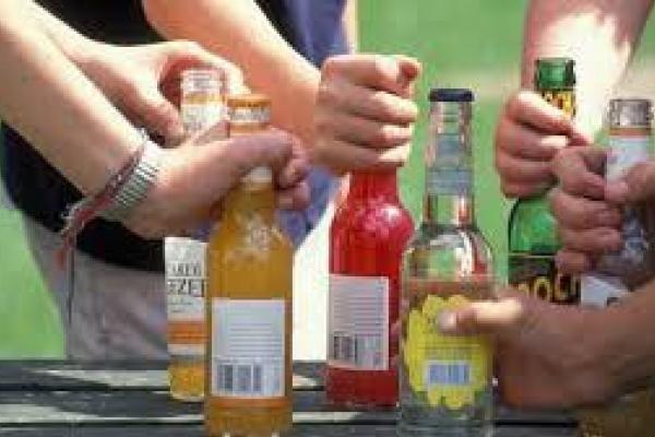 У Тернополі неповнолітня отруїлась алкоголем
