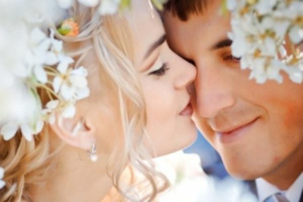 Довговічний шлюб проходить через шість сімейних криз