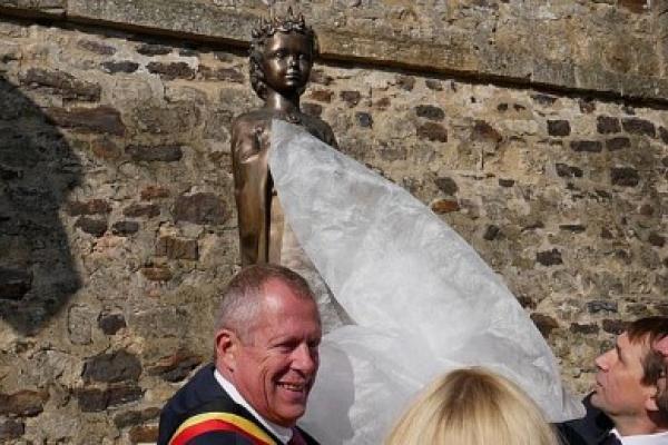 У бельгійському місті Арлон урочисто відкрили пам'ятник Анні Ярославні