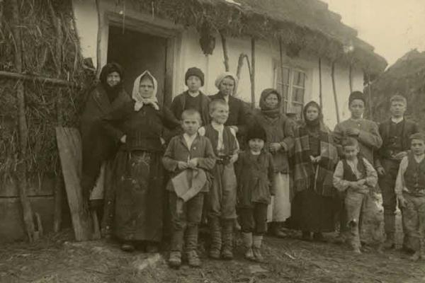 Село Залуччя, що під Борщевом, на старих світлинах