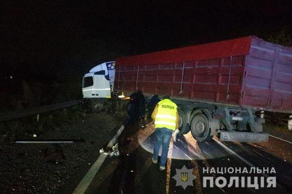 На Тернопільщині смертельне ДТП: фура зіткнулася з вантажівкою