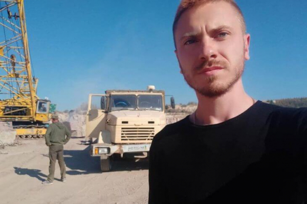 Громадському активісту із Бучача Романові Довбенку спалили автомобіль