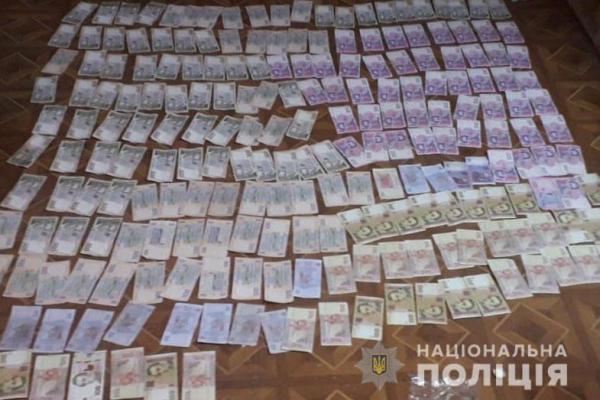 Жителя Товстого обікрали серед білого дня на 90 тисяч