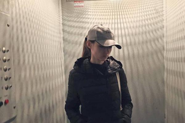 «Без кнопки виклику та шансів порятунку»: на Тернопільщині люди активно роблять світлини у ліфті