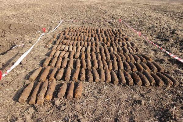 На Тернопільщині виявили «склад» артилерійських снарядів часів Другої світової війни