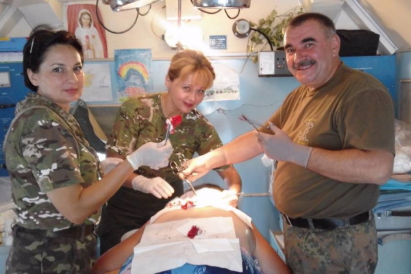 Військовий медик із Тернопільщини Михайло Стасів, який раптово помер, отримав орден «Лицарський хрест