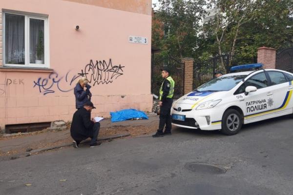 Посеред вулиці Тернополя помер чоловік