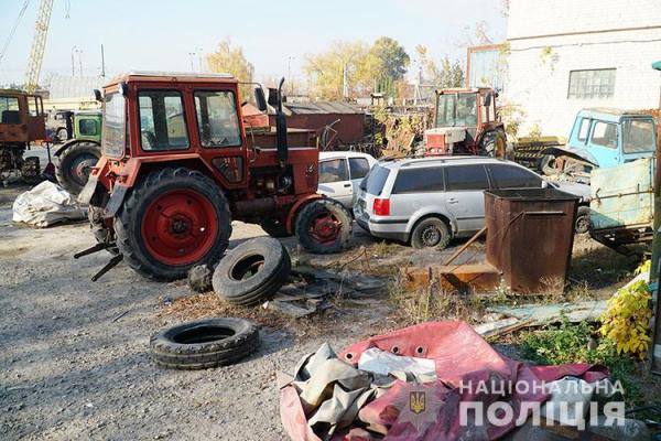 Раніше судима жінка вкрала комплектуючі з трактора