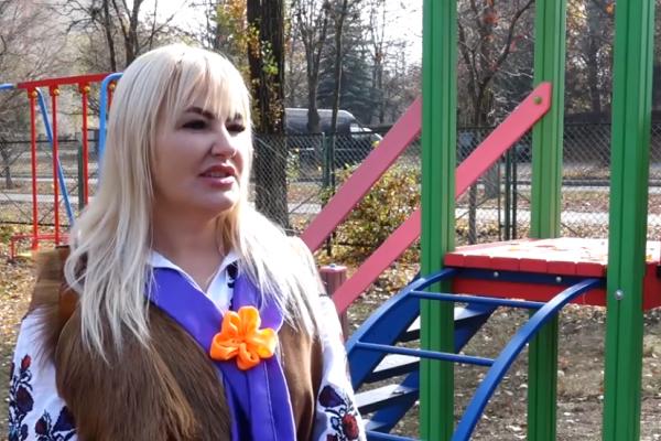 У Тернополі завдяки меценатам з'явився новий дитячий майданчик для особливих дітей