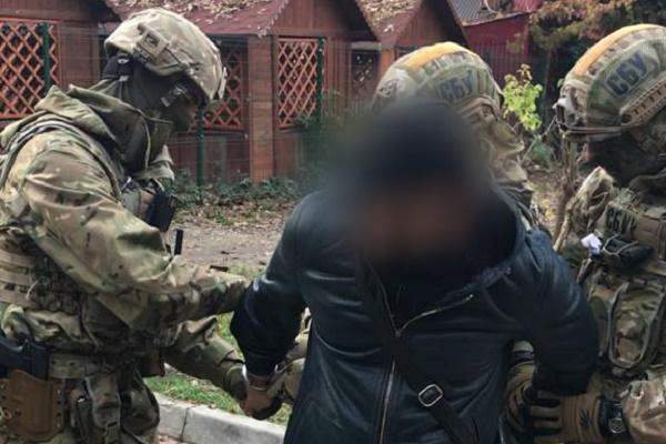 На Тернопільщині затримано групу осіб, що вимагали кошти у підприємця
