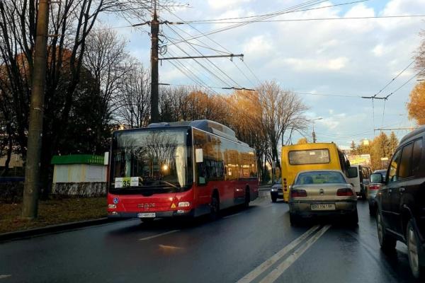 У Тернополі запрацював новий автобусний маршрут