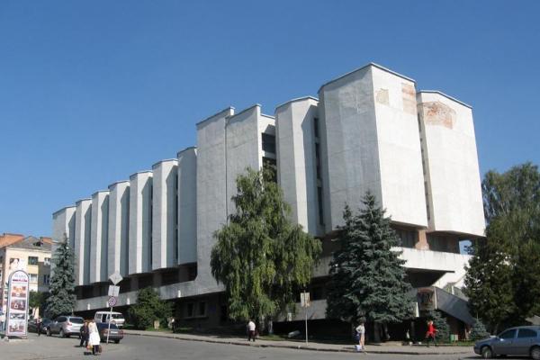 У Тернополі діє унікальна виставка значків і медалей рідного краю