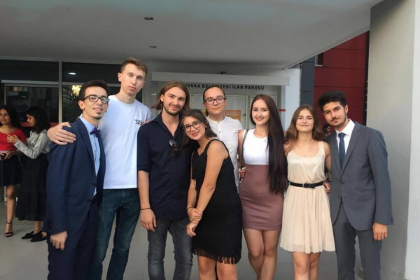 Тернопільські студенти, мандруючи світом, руйнували стереотипи про Україну