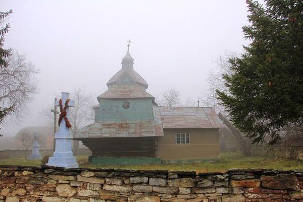 Храм XVIII століття на Тернопільщині на ретро світлині